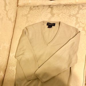 Brooks Brothers V Neck sweater long sleeve